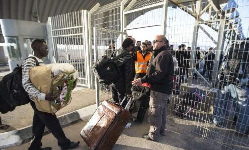 Israel Releases African Migrants From Detention Centre